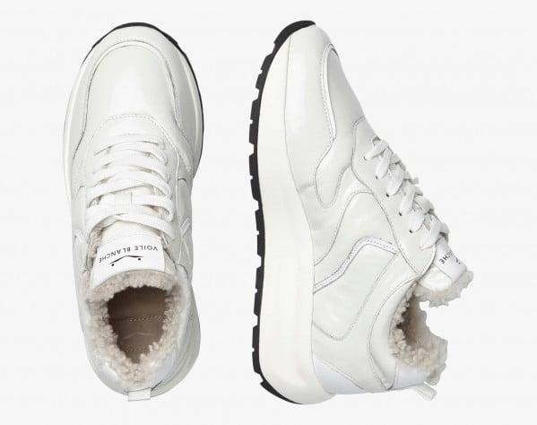 FLOWEE PUMP FUR - Sneaker in vernice con fodera in shearling - Bianco