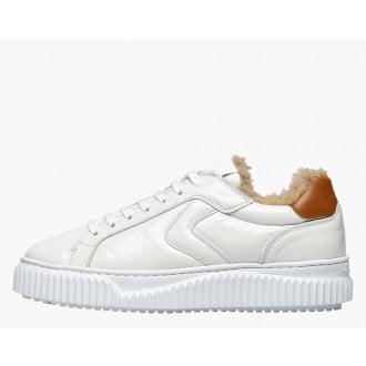 LIPARI PUMP FUR - Shearling-lined padded patent leather sneakers - White